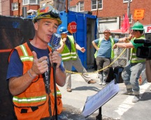 Gary Russo, the singing construction worker, at 73rd & 2nd Ave, NYC.