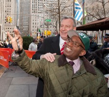 022414-DEBLASIO-DM-6.jpg Mayor Bill DeBlasio doing a 'selfie' with Al Roker outside Today Show at ribbon cutting ceremony in Rockefeller Center, NYC. David McGlynn 2/24/14
