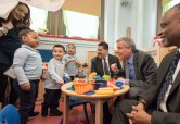 040918-DEBLASIO-DM-5 Schools Chancellor Carranza, Mayor de Blasio, and Deputy Mayor Phillip Thompson visiting Pre-K and 3-K classrooms at P.S. 25, The Bilingual School, 811 East 149th Street Bronx, NY.