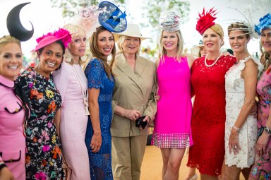 050218-HAT-GALA-DM-32 Scenes from the 36th Annual Frederick Law Olmsted Awards Luncheon (the Hat Gala) in the Conservatory Garden of Central Park, NYC. Here: Martha Stewart with group of women wearing hats David McGlynn 5/2/18
